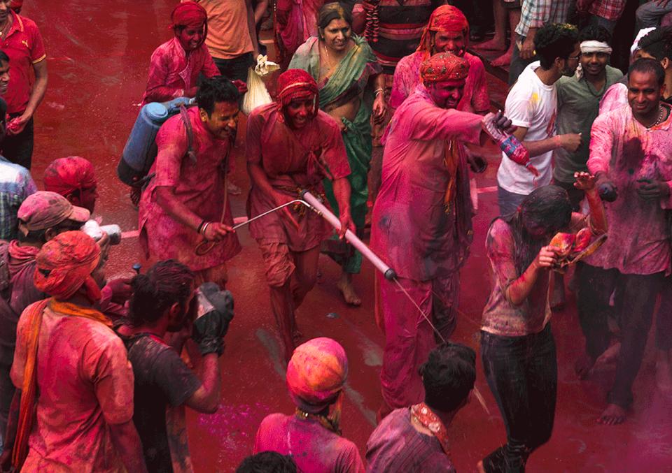 un-holi-and-un-safe-in-vrindavan-uttar-pradesh-2